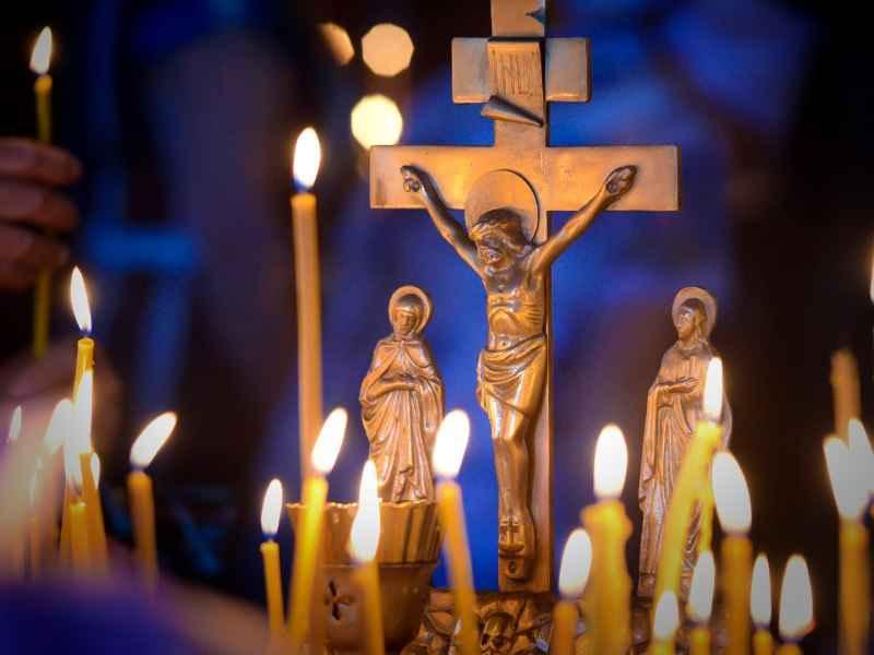 В храмах Покровского прихода города Городище прошли службы поминовения усопших