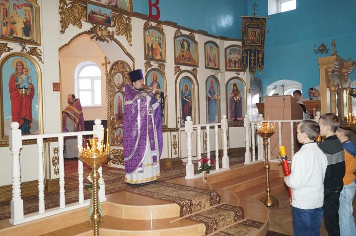 Крестопоклонная неделя Великого поста в храме Покрова Пресвятой Богородицы города Городище