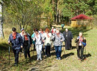 В день празднования Дня пожилого человека в городе Городище состоялся фестиваль скандинавской ходьбы